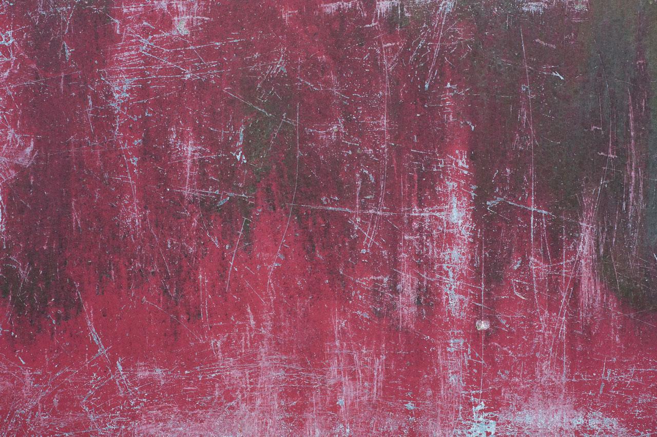Wildtextures - poškrábaný-růžově malovaný-hliníkový plech